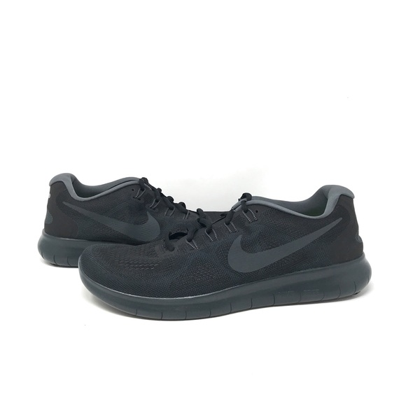 Nike Shoes   Authentic Mens Nike Free